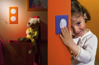Какие выключатели и розетки выбрать для детской комнаты?
