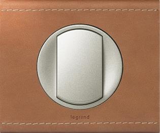 Рамки обтянутые натуральной кожей цвет крем-карамель Celian™ Legrand