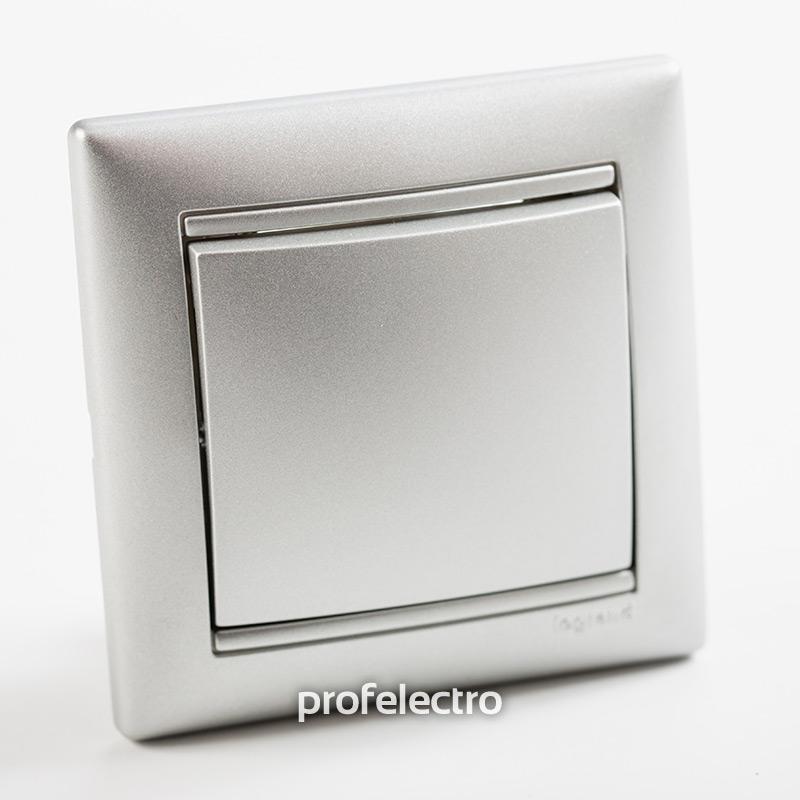 Выключатель одноклавишный проходной алюминий с рамкой Valena