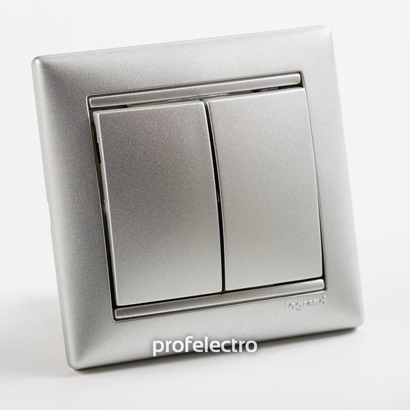 Выключатель двухклавишный проходной алюминий с рамкой Valena