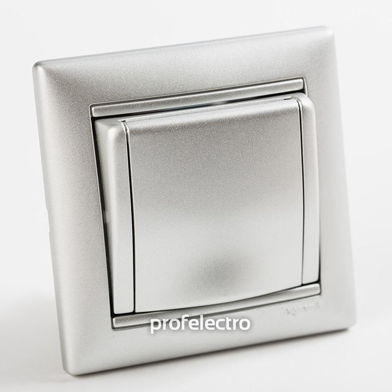Розетка с заземлением и крышкой алюминий с рамкой Valena