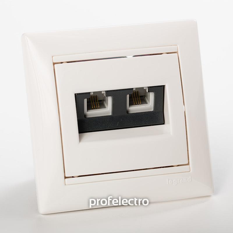 Розетка телефонная два выхода белая с рамкой Valena