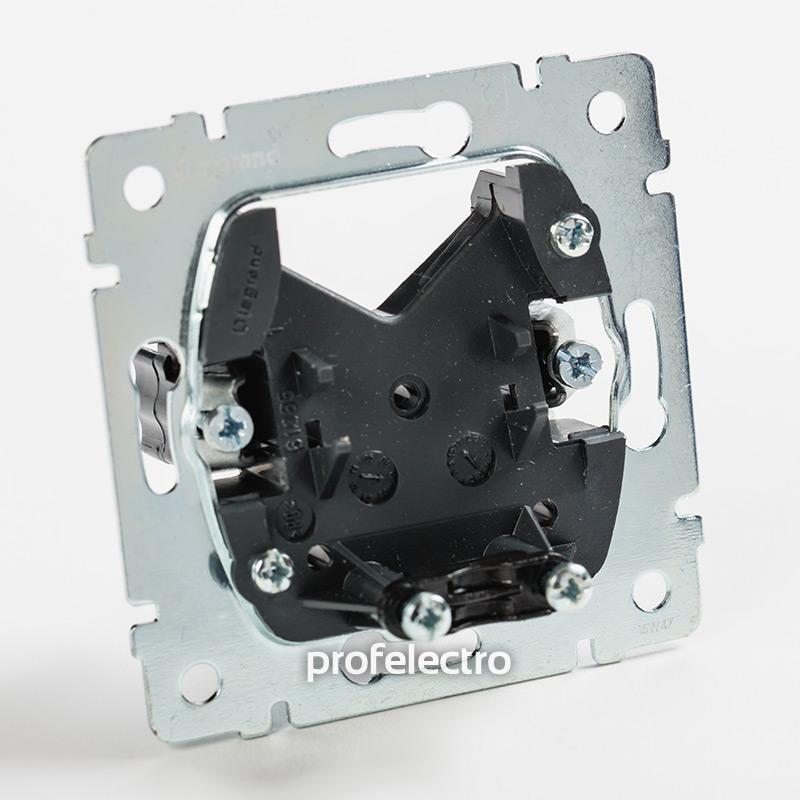 Механизм вывода кабеля белый Valena