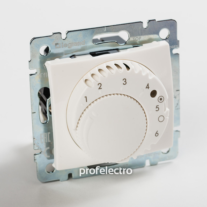 Терморегулятор комфорт с выключателем белый без рамки Valena
