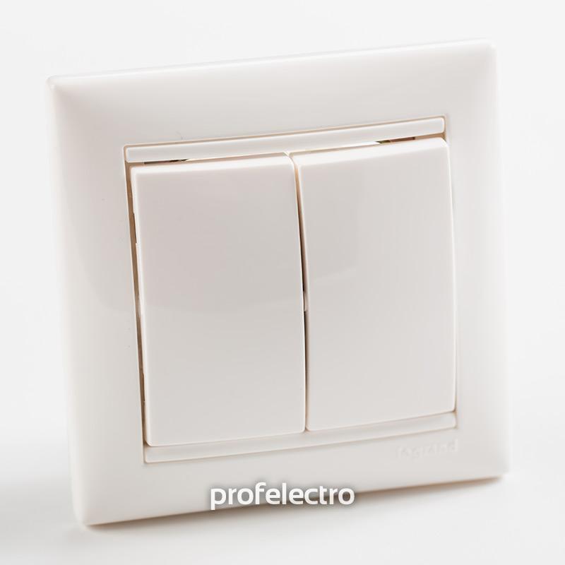 Выключатель двухклавишный проходной влагозащищенный белый с рамкой Valena