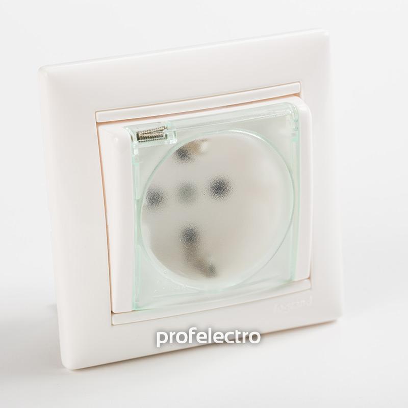 Розетка с заземляющим контактом и крышкой влагозащищенная белая с рамкой Valena
