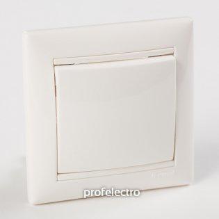 Рамка цвет белый в сборе с выключателем Valena Legrand на profelectro.com.ua