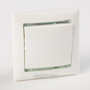 Рамка цвет белый-кристалл в сборе с выключателем Valena Legrand на profelectro.com.ua