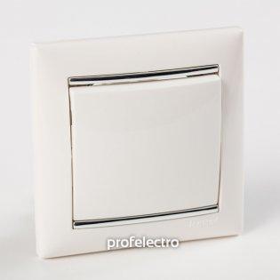 Рамка цвет белый-серебряный штрих в сборе с выключателем Valena Legrand на profelectro.com.ua