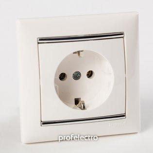 Рамка цвет белый-серебряный штрих в сборе с розеткой Valena Legrand на profelectro.com.ua