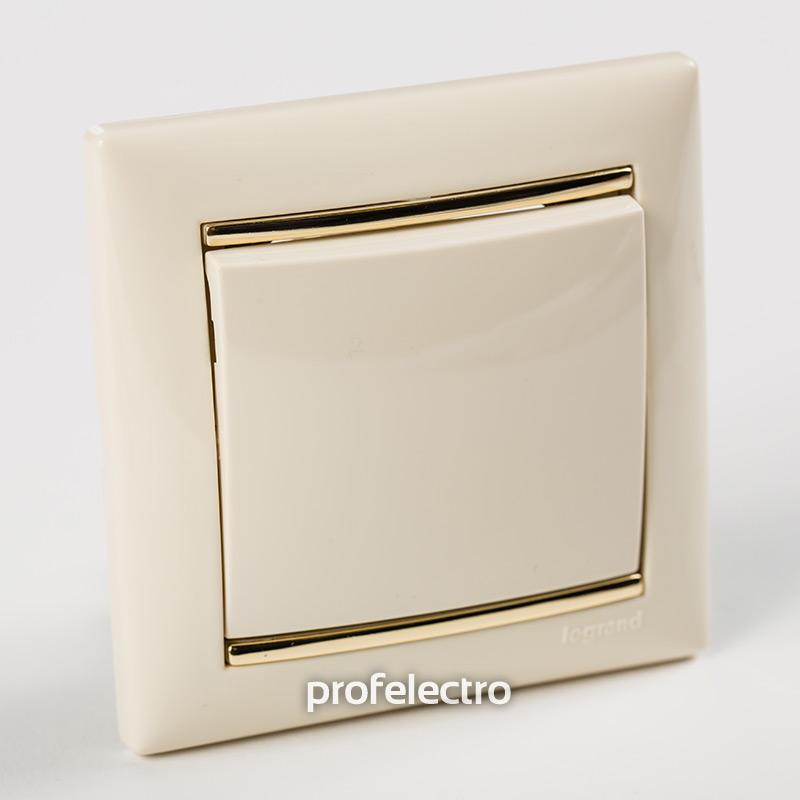 Рамка цвет слоновая кость-золотой штрих в сборе с выключателем Valena