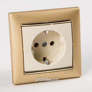 Рамка цвет матовое золото в сборе с розеткой Valena Legrand на profelectro.com.ua