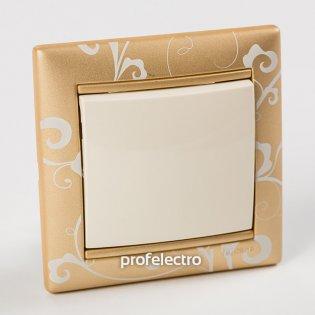 Рамка цвет золото Барокко в сборе с выключателем Valena Legrand на profelectro.com.ua