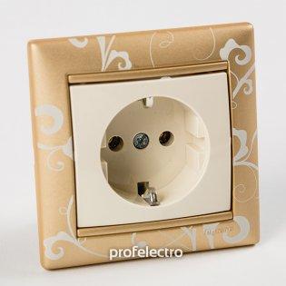 Рамка цвет золото Барокко в сборе с розеткой Valena Legrand на profelectro.com.ua