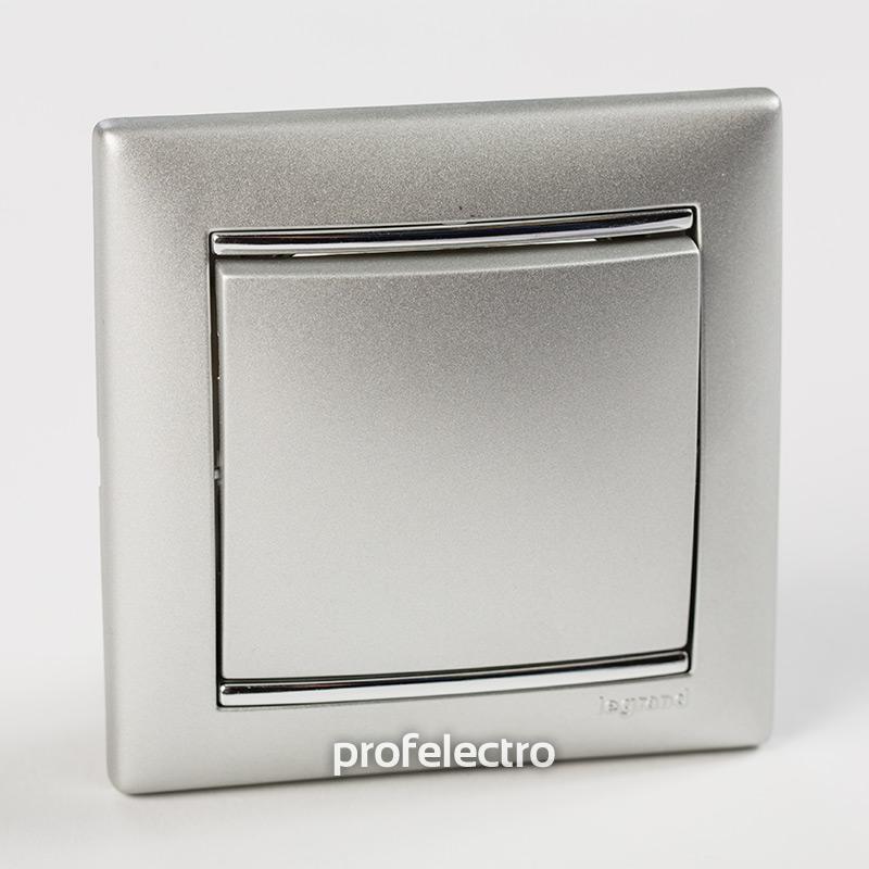Рамка цвет алюминий-серебряный штрих в сборе с выключателем Valena