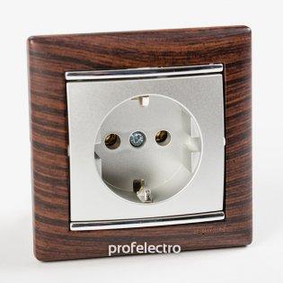 Рамка цвет темное дерево-серебряный штрих в сборе с розеткой Valena Legrand на profelectro.com.ua