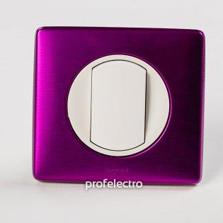 Рамка цвет пурпурный металлик-панель белая Celiane Legrand на profelectro.com.ua