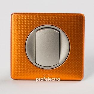 Рамка цвет оранж пунктум-панель титан Celiane Legrand на profelectro.com.ua
