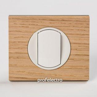Рамка деревянная беленый дуб-панель белая Celiane Legrand на profelectro.com.ua