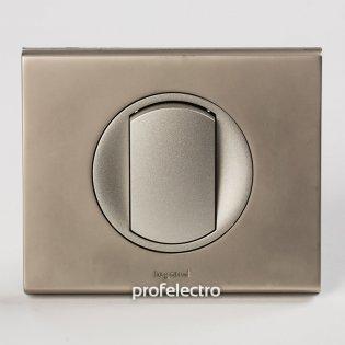 Рамка металлическая цвет никель велюр-панель титан Celiane Legrand на profelectro.com.ua