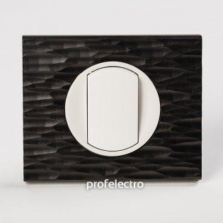 Рамка CORIAN черный рифленый-панель белая Celiane Legrand на profelectro.com.ua