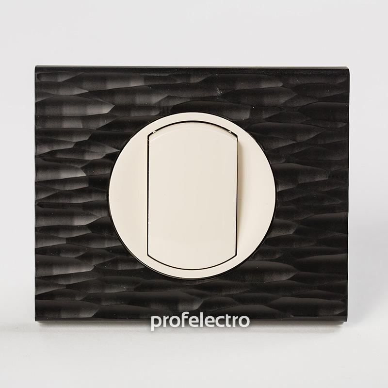 Рамка CORIAN черный рифленый-панель слоновая кость Celiane