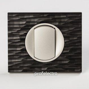 Рамка CORIAN черный рифленый-панель титан Celiane Legrand на profelectro.com.ua