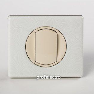 Рамка фарфор цвет белая феерия-панель слоновая кость Celiane Legrand на profelectro.com.ua