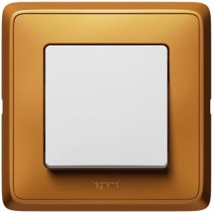 Одноклавишный выключатель Legrand™ Cariva цвет рамки Матовое золото
