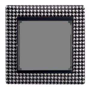 Рамка Legrand «Гусиные лапки» (арт. 770420)