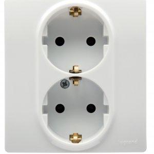Розетка двойная с заземляющим контактом и защитными шторками белая Etika