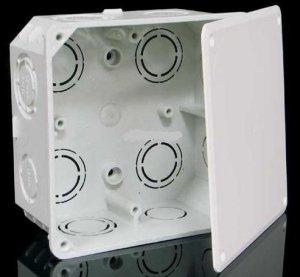 Коробка распределительная с крышкой квадратная (для твердых стен)