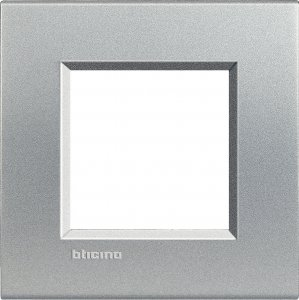 Фото Рамки пластиковые цвет алюминий немецкий и итальянский стандарт