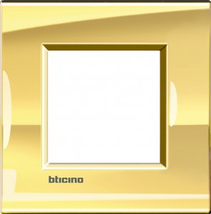 Фото Рамки металлические цвет золото немецкий и итальянский стандарт
