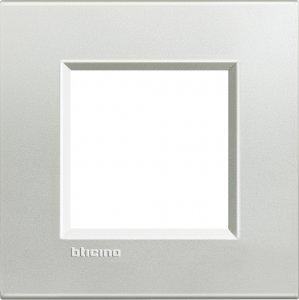 Фото Рамки металлические цвет серебро немецкий и итальянский стандарт