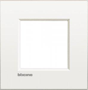 Фото Рамки металлические цвет чистый белый немецкий стандарт