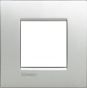 Фото Рамки металлические цвет алюминий немецкий стандарт