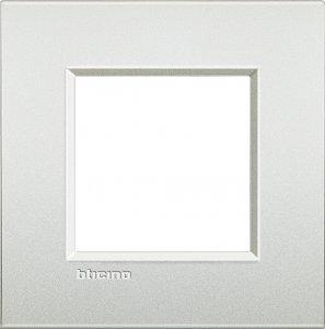 Фото Рамки металлические цвет белый жемчуг немецкий стандарт