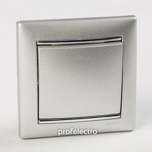 Рамки цвет алюминий-серебряный штрих 1-5 постов Valena