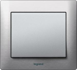 Фото Рамки металлические Legrand Galea Life, цвет шлифованный алюминий (Brushed Aluminium) 1—3 поста