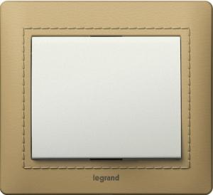 Рамки деревянные Legrand Galea Life, обтянутые натуральной кожей цвет светлый (Havana) 1—3 поста